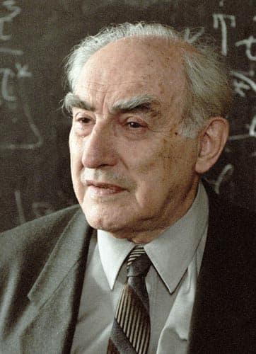 Лауреаты нобелевской премии по физике в 2003 году алексей алексеевич абрикосов и виталий лазаревич гинзбург за