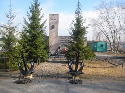 Город воинской славы Ломоносов Памятник водолазам ЭПРОНа