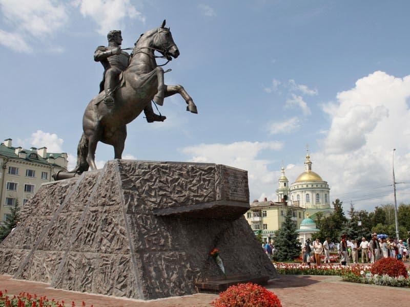 Город воинской славы - Орел. Памятник  Алексею Петровичу Ермолову
