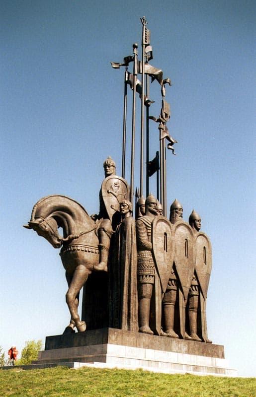 Город воинской славы - Псков. Памятник Александру Невскому.
