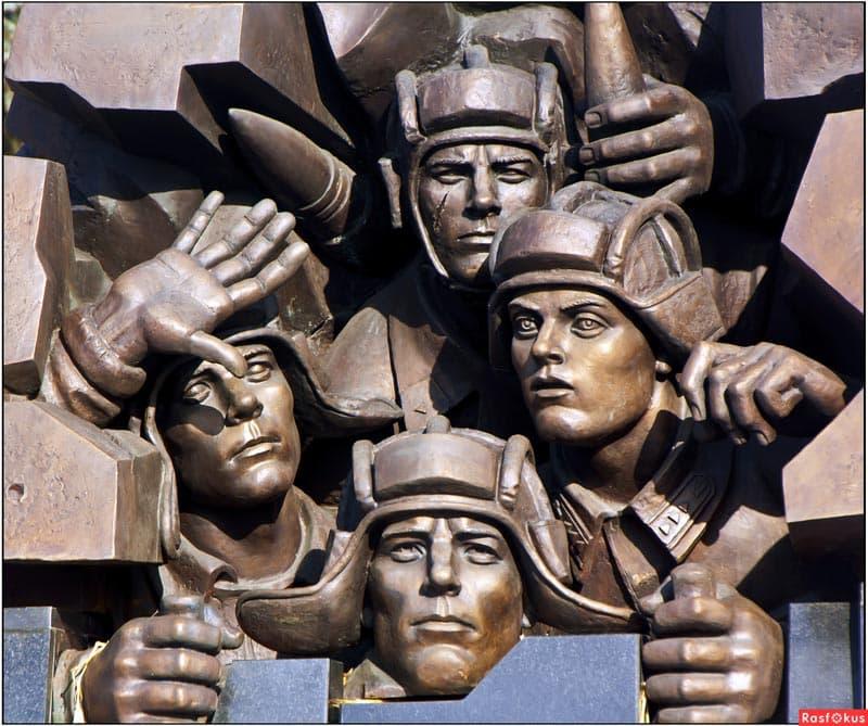 Город воинской славы Тверь Памятник легендарному танковому экипажу Степана Горобца.