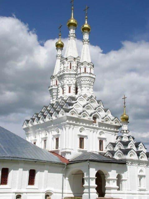 Город воинской славы - Вязьма. Трех шатровая церковь в Иоанно-Предтеченском монастыре.
